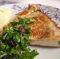Ξιφίας σε ελαιόλαδο με φασκόμηλο,Swordfish in olive oil with sage.