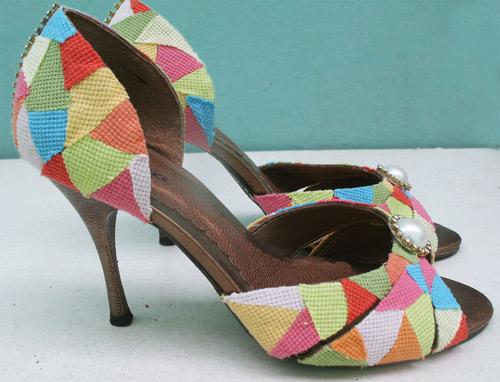 customização de sapato com retalhos e cola de sapateiro