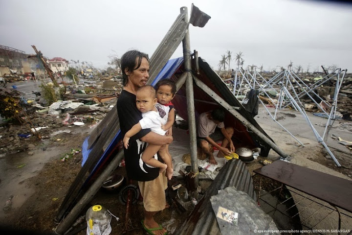 Photos-Caused-by-Typhoon-Yolanda-Haiyan-11-16-2013-02