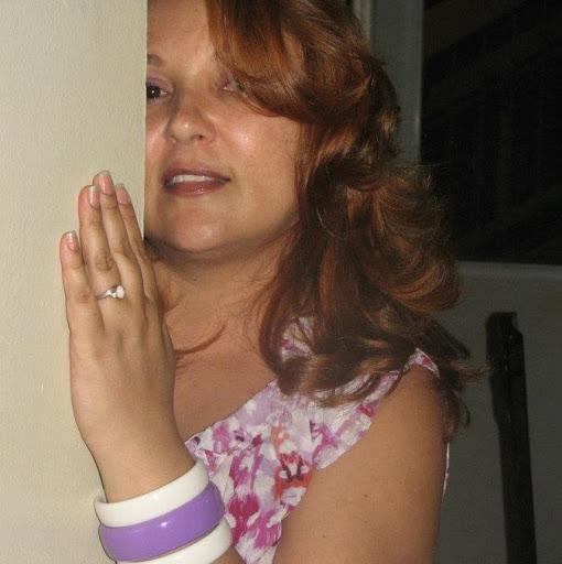 Luz Gonzalez Photo 26