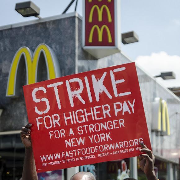 Labor demonstrations outside a McDonald's