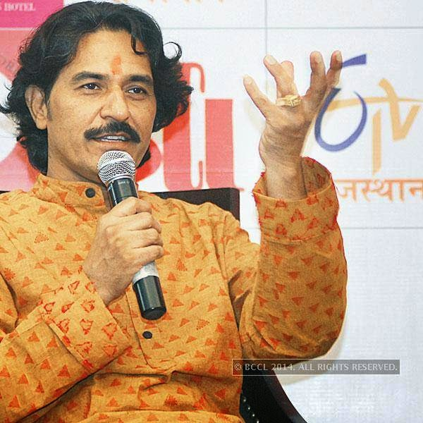 Pandit Rajendra Gangani during an interaction with the art community of Jaipur.