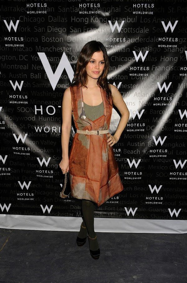 Rachel Bilson : W Lounge during Mercedes Benz New York Fall 2009 Fashion Week in New York City:celebrities,fashion girl0
