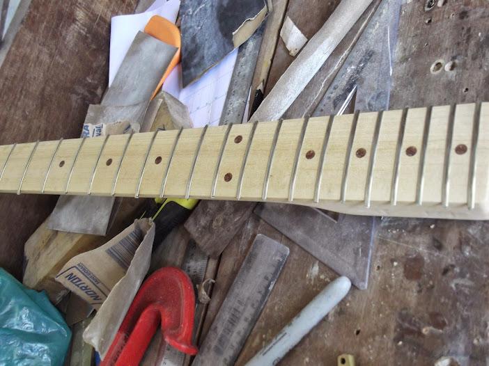 Construção guitarra telecaster, meu 1º projeto bolt on. Finalizado e com vídeo - Página 2 DSCF0878