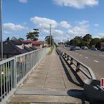 crossing over the railway bridge (77533)
