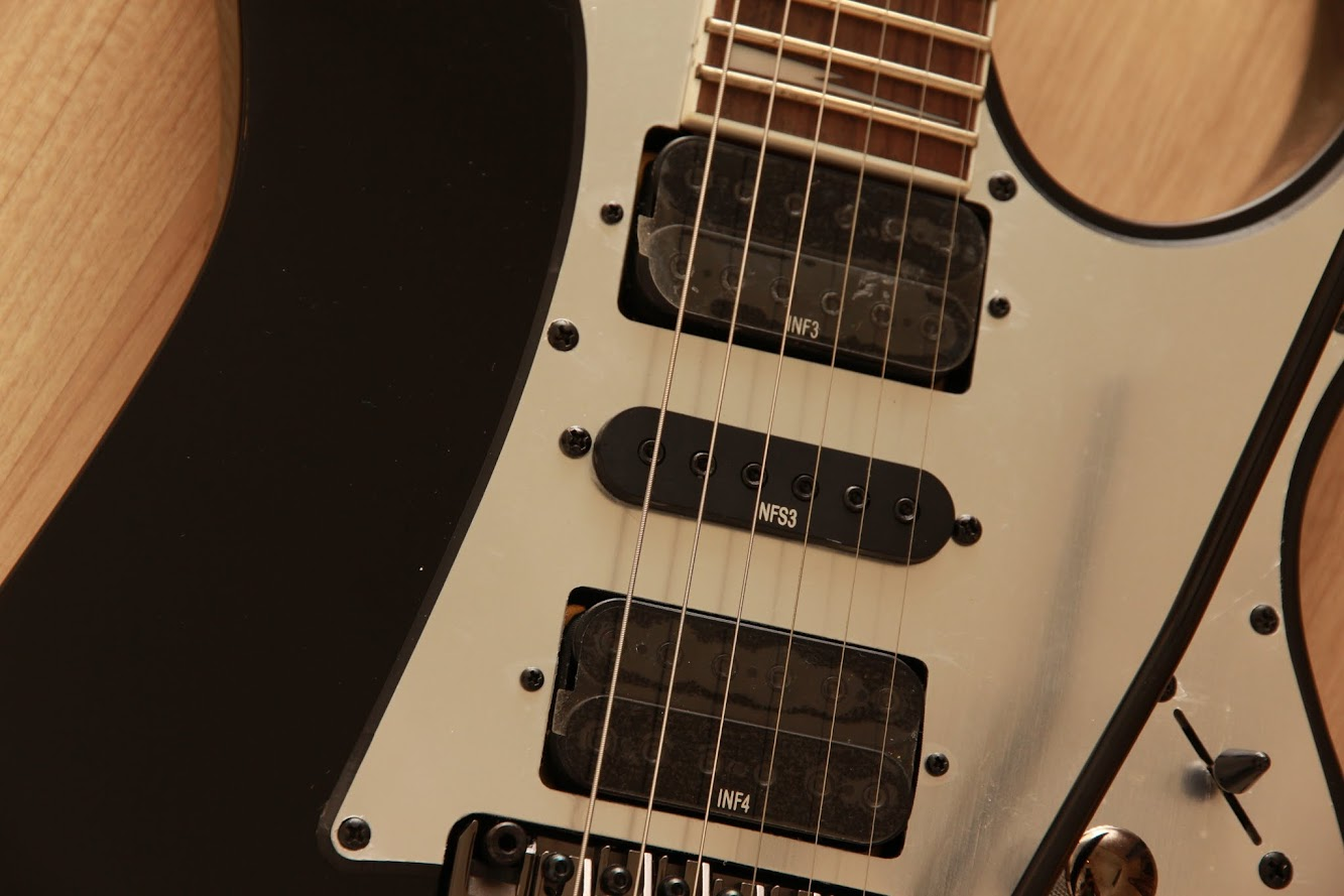 CRINSON MUSIC AND GUITARS: Ibanez RG350EXZ