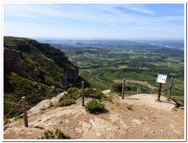 Un paseo por el pirineo mirador de los buitres reino de for Mirador del pirineo