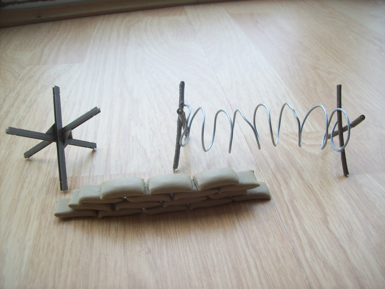 how to make fake barbed wire out of paper clips