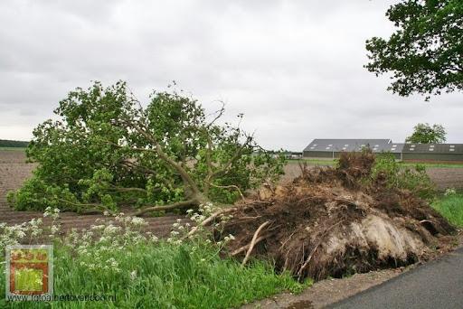 Noodweer zorgt voor ravage in Overloon 10-05-2012 (48).JPG