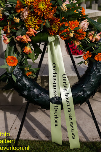 herdenkingsdienst  en een stille tocht naar het Engelse kerkhof 12-10-2014 (94).jpg