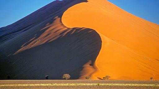 Dune 45, Sossusvlei National Park, Namib Desert, Namibia.jpg