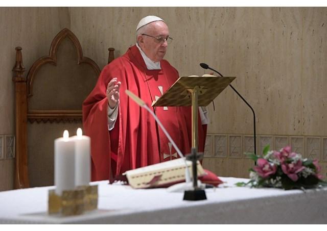Đức Thánh Cha dâng Lễ: 'Thập giá Đức Ki-tô là mầu nhiệm của tình yêu'