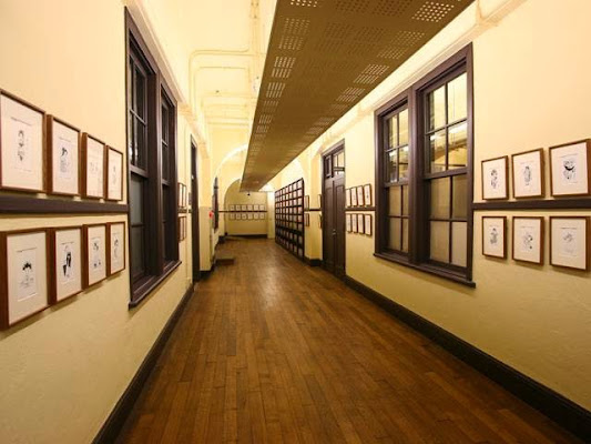 Kyoto International Manga Museum, Japan, 〒604-0846 京都府京都市中京区 烏丸通御池上ル(元龍池小学校)