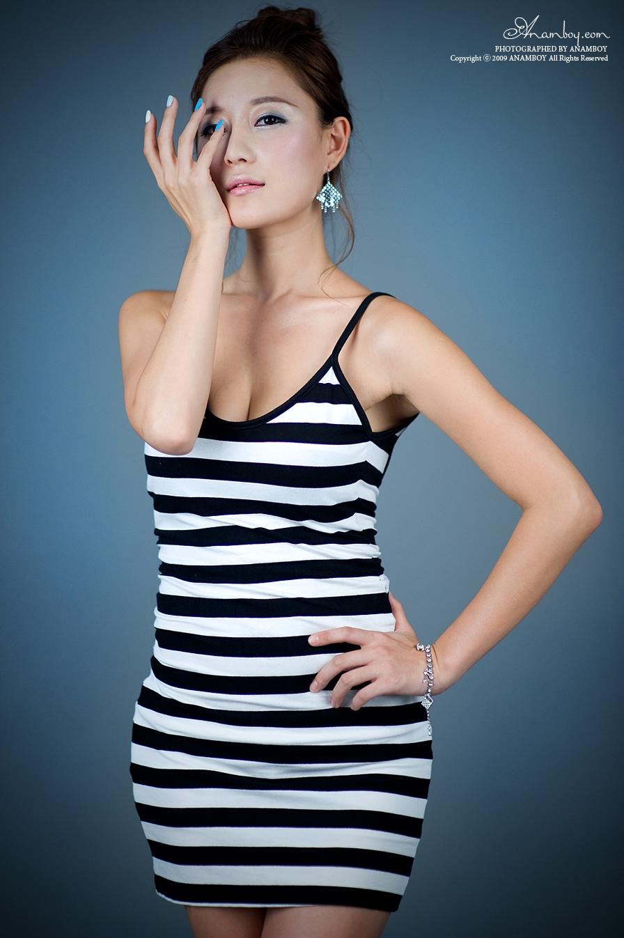 Picture Hot Girl Asia - USA: Yong Li khoe dáng đẹp