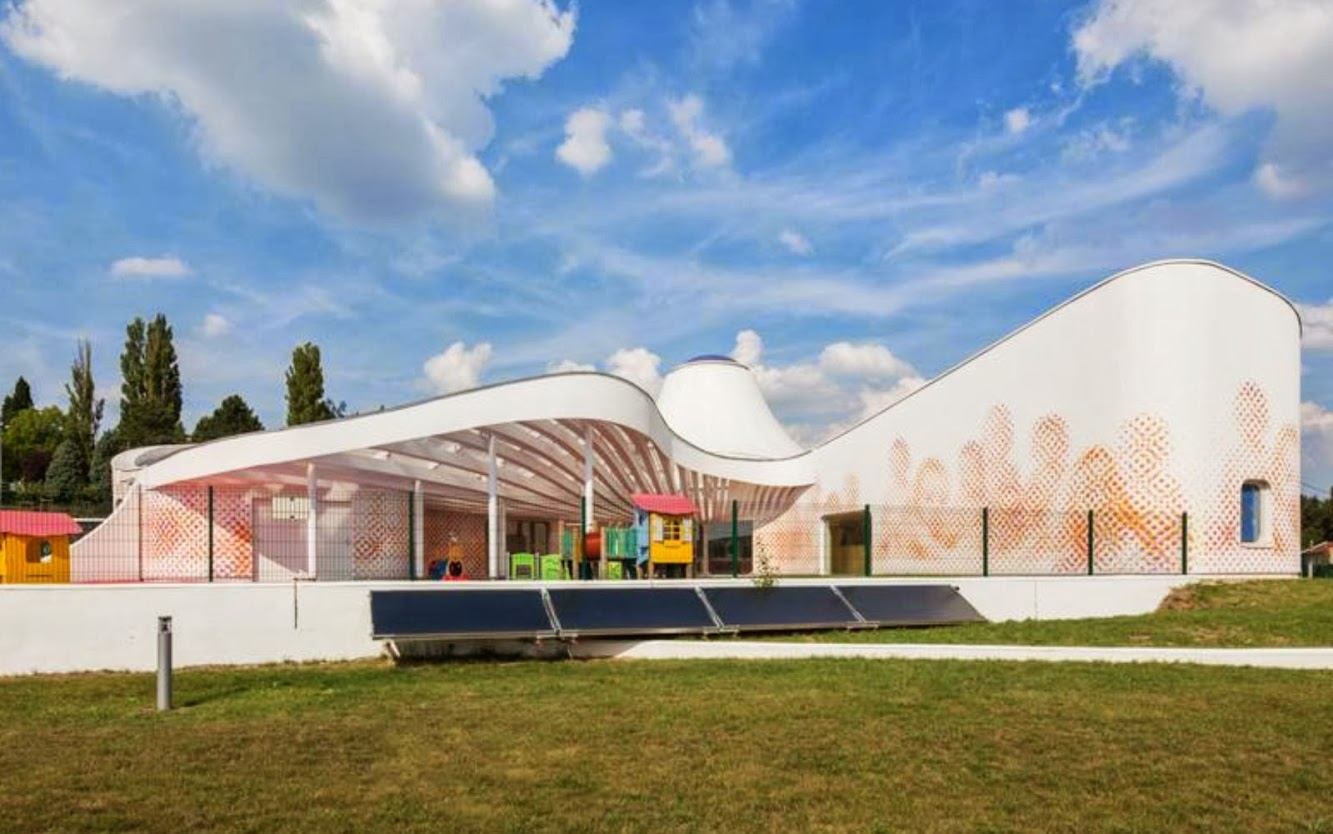 Mosella, Francia: Childcare Facilities by Paul Le Quernec