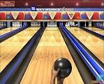 لعبة بولينج تصويب الكرة الى القوارير واصابتها العاب البولينج