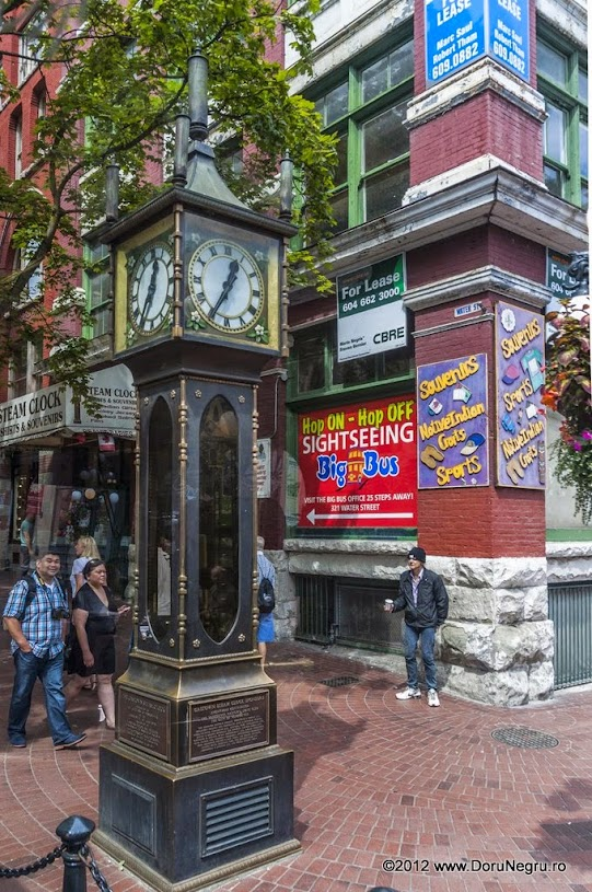 The steam-powered clock, the most famous landmark of Gastown
