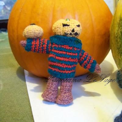 Happy Halloween dynie straszne wzory wyninanki lampiony ozdoby dyniowe ozdoby dyniogłowy farankensztain dynia szydelkowe