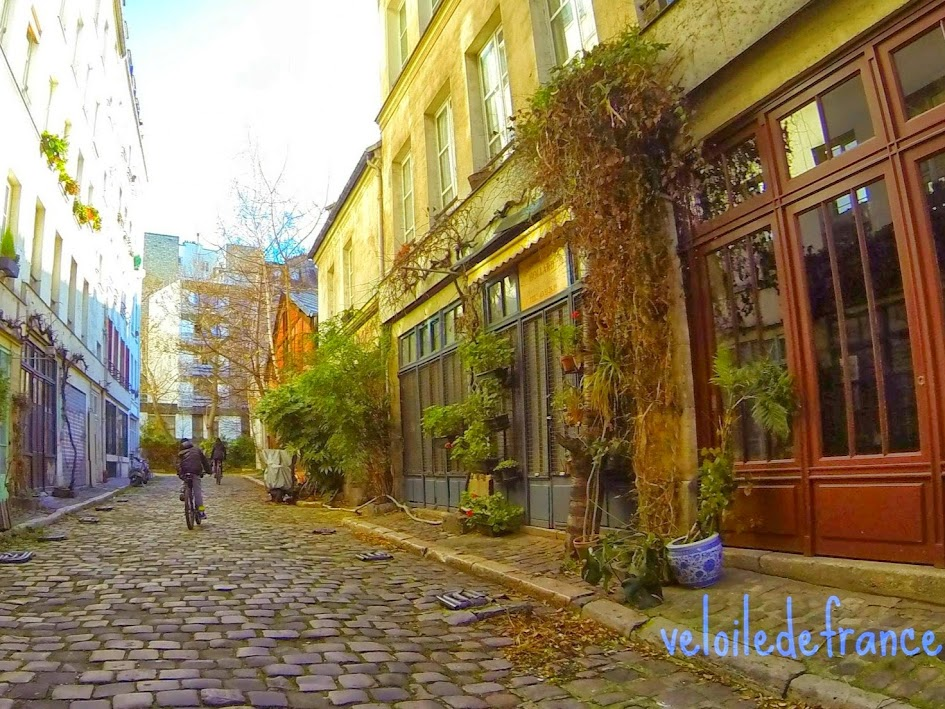 A vélo à Paris de Notre-Dame à Bercy : à la recherche du passage perdu