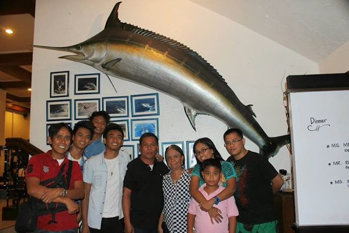 something fishy family photo