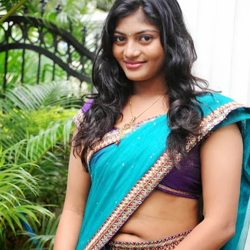 Go Back > Gallery For > Meera Anil Hot
