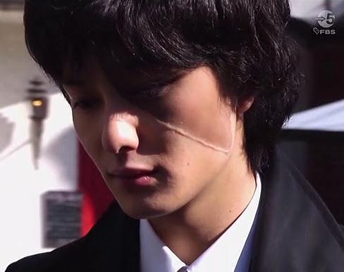 Okada Masaki as Hazama Kuro