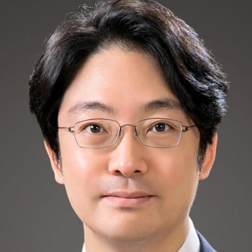 Yongwoo Cho