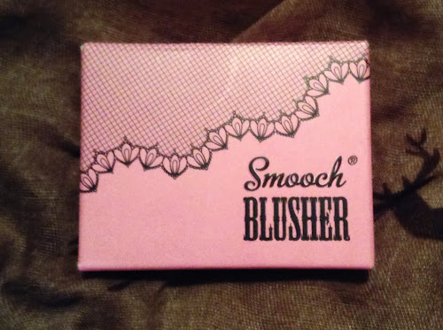 Picture of the box of Smooch Cosmetics Blusher