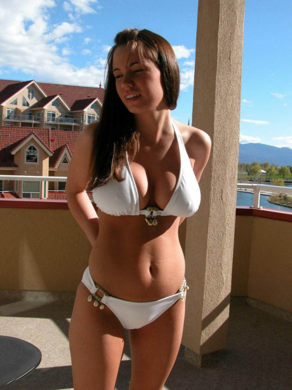 Bikini Babes 07 part 13:big girl,fun girls,bikini girl,big breasts,picasa0