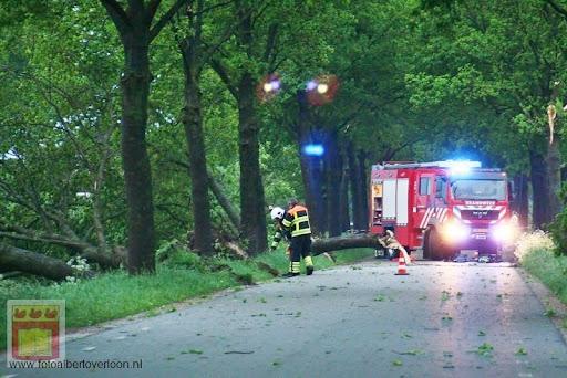 Noodweer zorgt voor ravage in Overloon 10-05-2012 (16).JPG
