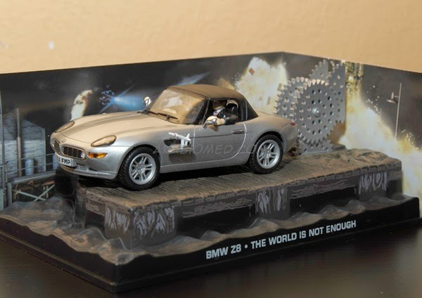james bond car bmw z8