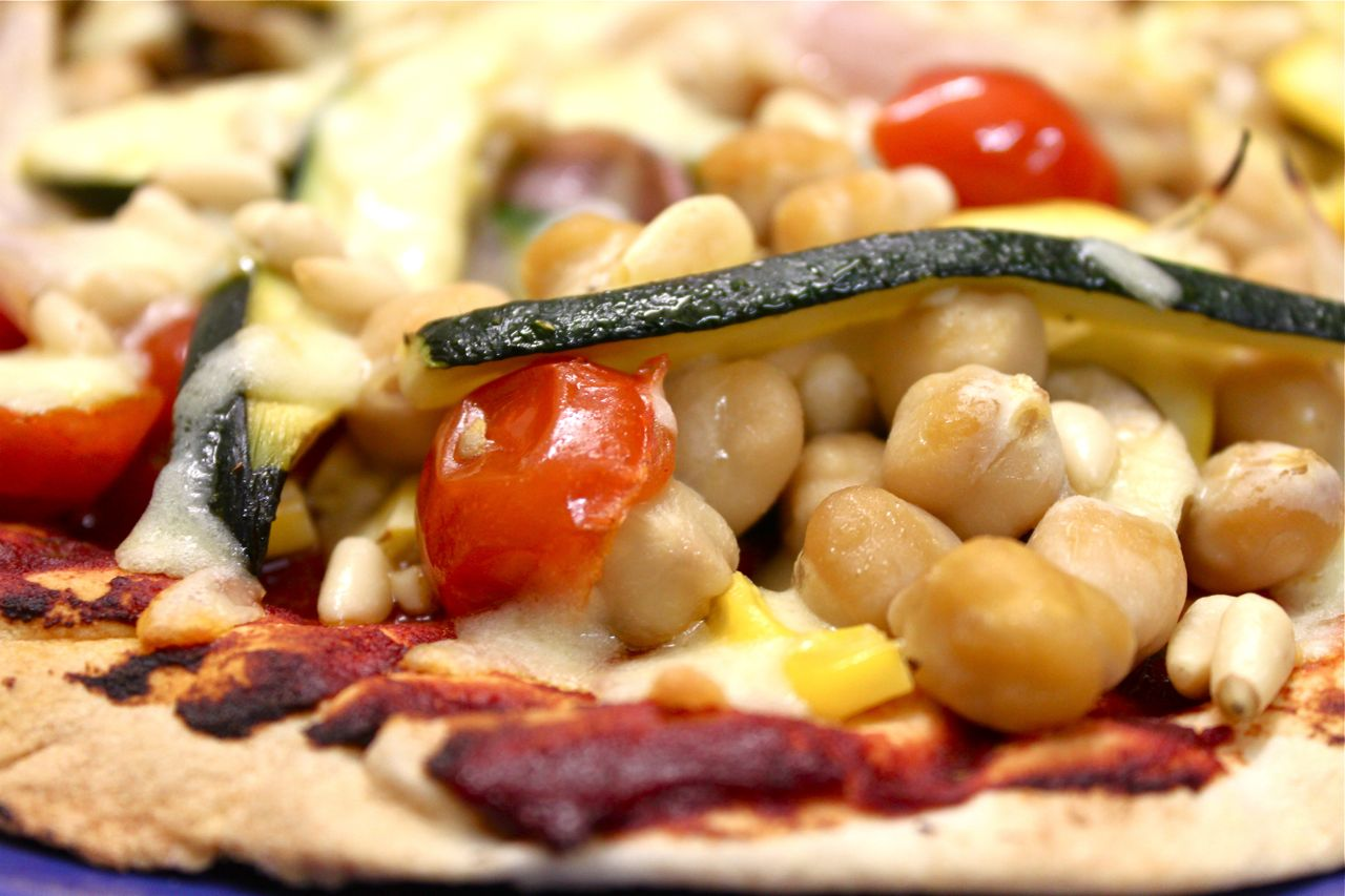 Quick Recipe: Vegetable & Chickpea Pizza