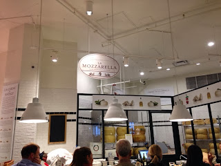 mozzarella bar eataly