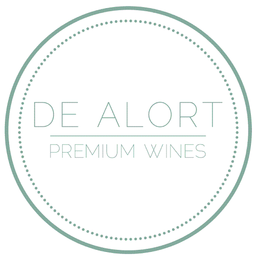 Bodegas de Alort es una bodega joven, exclusiva y vanguardista, fruto de la experiencia de sus profesionales en la elaboración de vinos de calidad y de un extenso conocimiento del mercado del vino a nivel mundial. Se trata de una Bodega con una larga trayectoria en la exportación y con una clara vocación para posicionar sus vinos en las mejores vinotecas de todo el planeta.