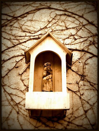 figurka świętego antoniego