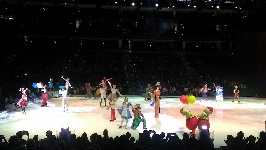 IMAG5040 Disney on Ice   Lets Celebrate {Review}