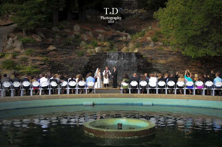 Liz And Dan Were Married At The Beautiful Joaquin Miller Park Their Wedding Was Simple Elegant Intimate