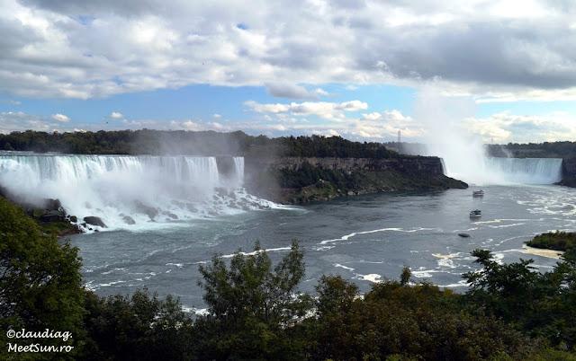 Cele trei cascade care formeaza Niagara: Cascada Americana, Valul Miresei, Cscada Potcoava