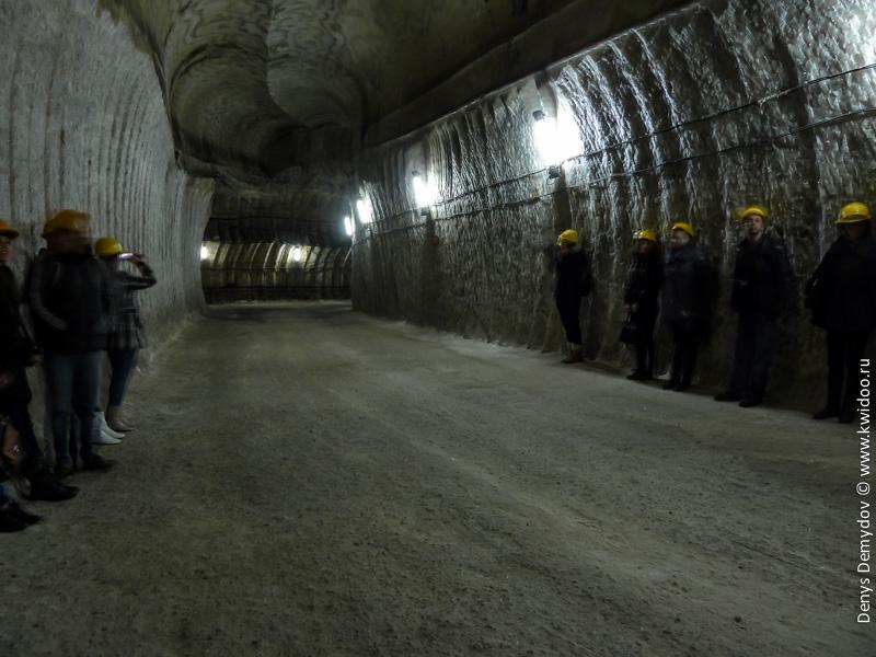 Отработанные выработки соляных шахт и туристы