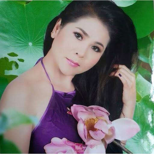 Lucia Ngo