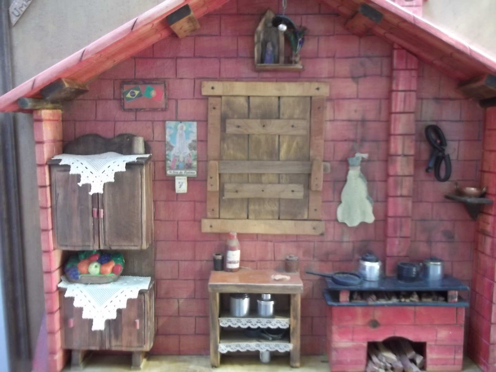 em madeira reciclada cozinha portuguesa miniatura em madeira reciclada  #854648 1600x1200