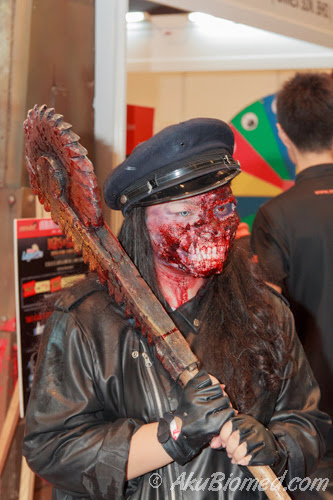 cosplay zombie