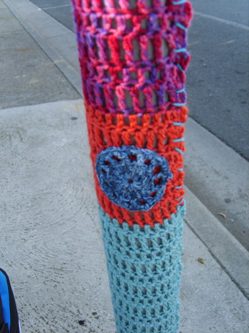 Twilight Taggers: How To Yarn Bomb