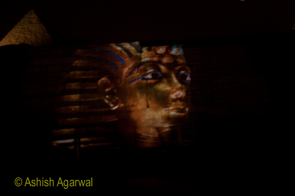 A depiction of the young pharaoh Tutunkhamen, as a part of the Sound and Light show