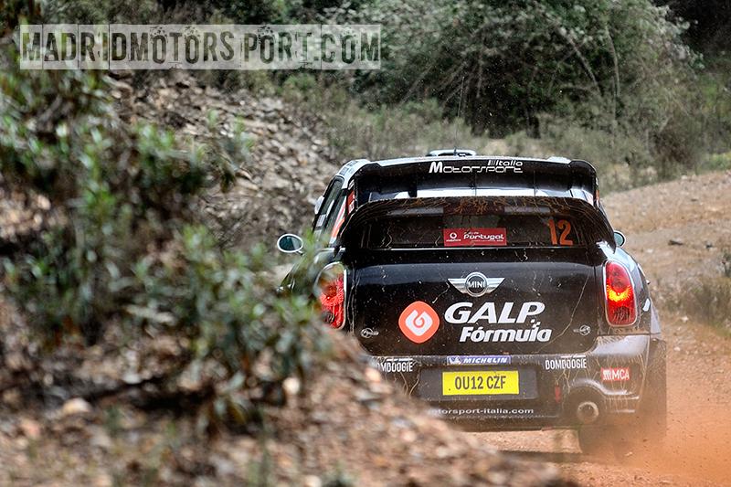 WRC Portugal 2012 Armindo-Ara%25C3%25BAjo-y-Miguel-Ramalho_Mini-John-Cooper-Works-WRC