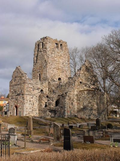 Sankt Olofs kyrkoruin 1186