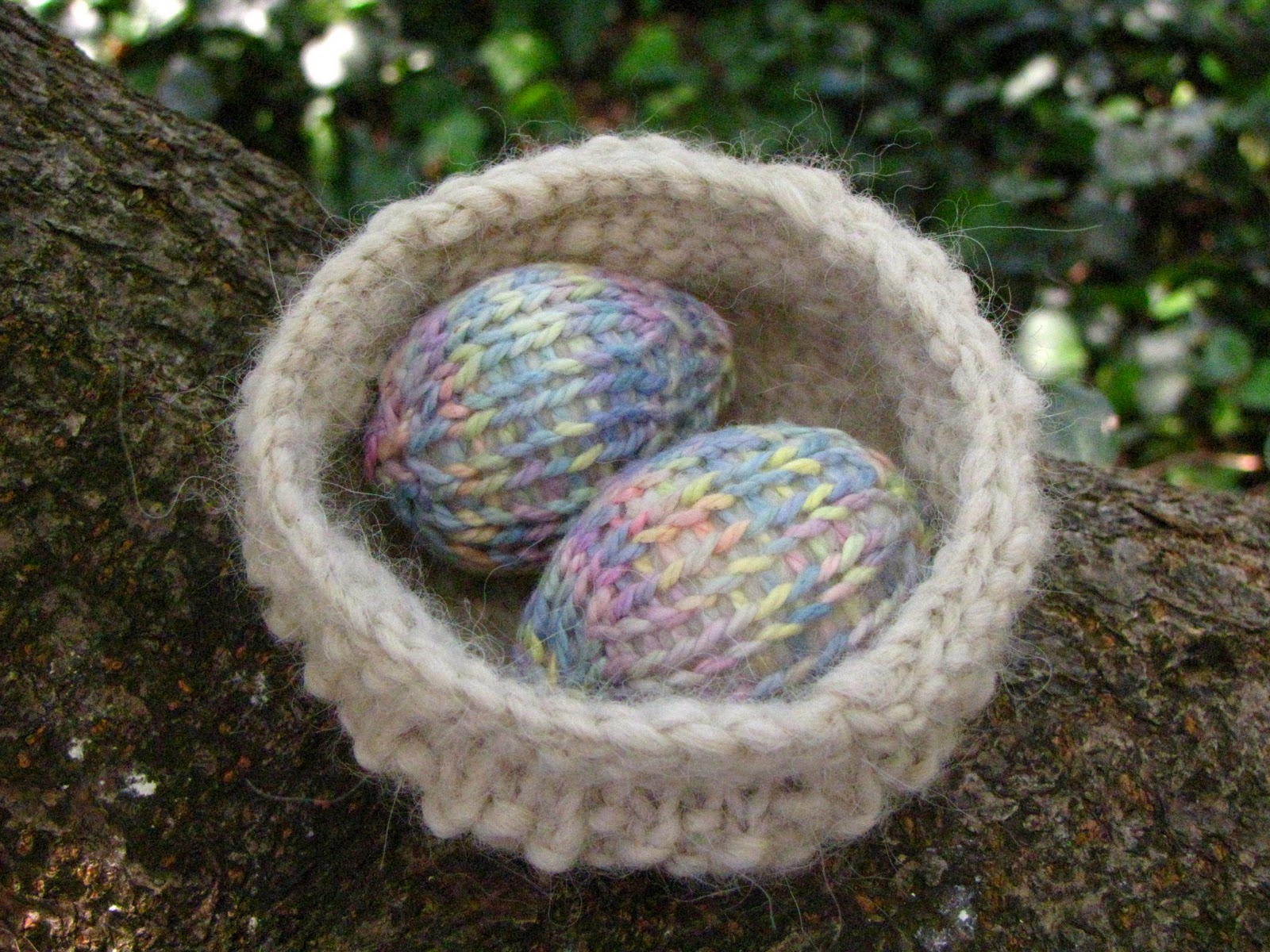 Easter Nest and Egg Pattern Tutorial - Natural Suburbia