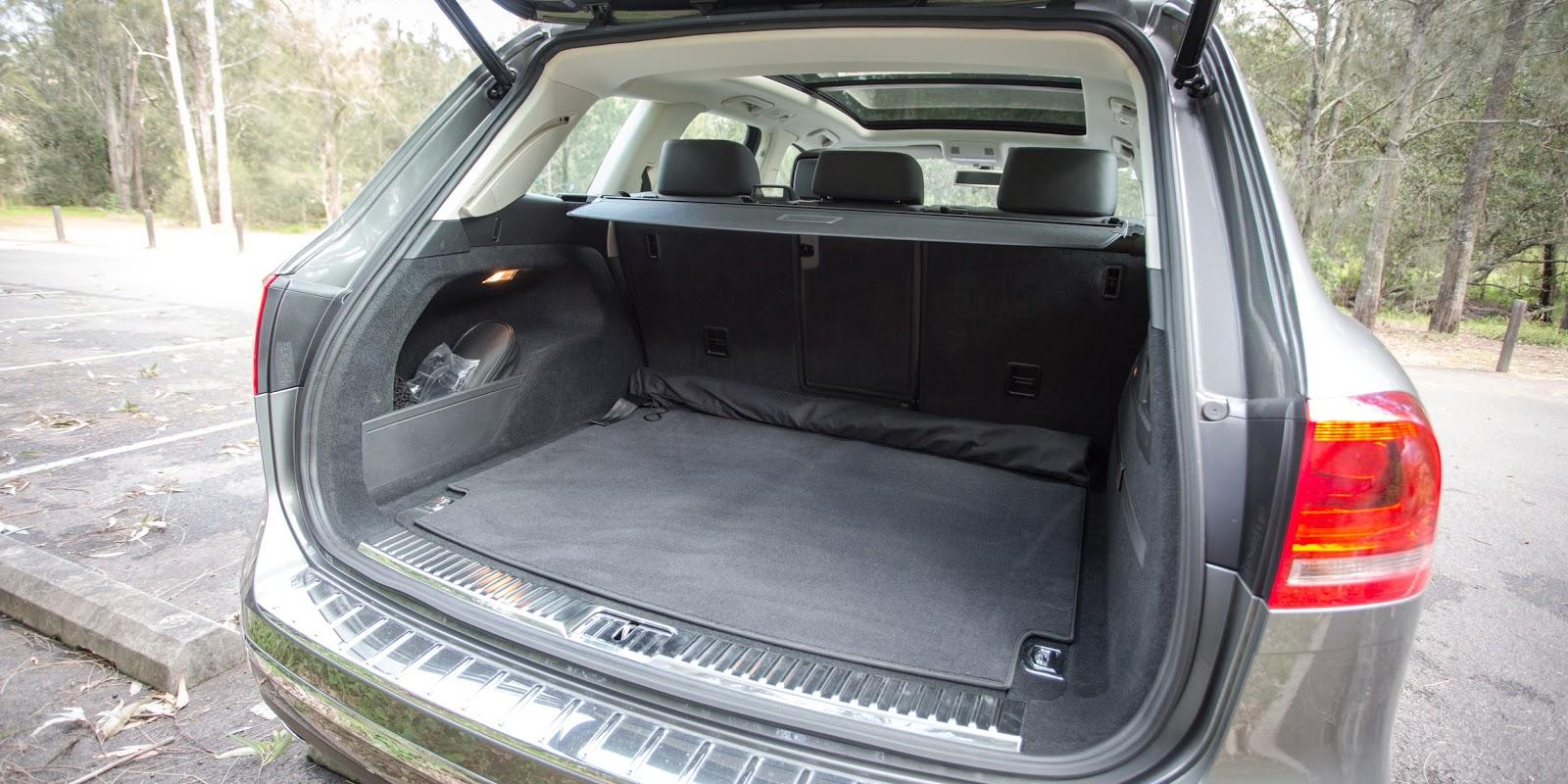 Khoang hành lý có thể bỏ được rất nhiều đồ, điểm mạnh của những chiếc Volkswagen