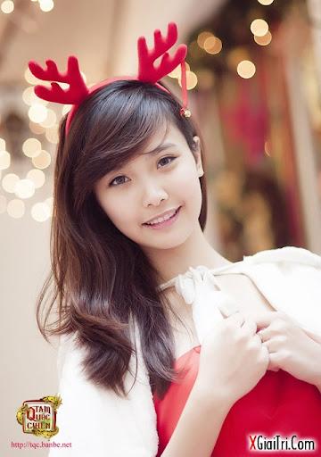 Giáng sinh ấm áp với hotgirl
