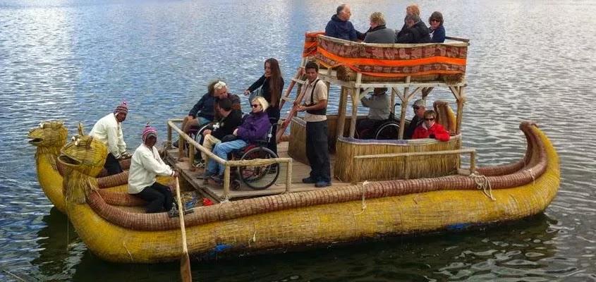 TURISMO EN LOS UROS | TOUR ISLAS UROS TRADICIONAL
